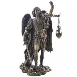 Archanděl Michael Vážící Duše Soška