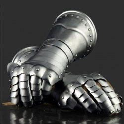 rytirske-rukavice-1480-1550.jpg