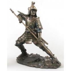 Soška Samuraj a Kopí