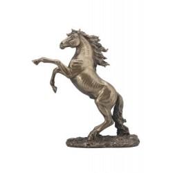 Kůň na zadních soška
