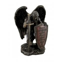 Klečící anděl s mečem soška