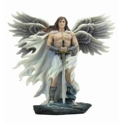 Anděl s trojitými křídly soška